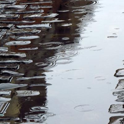 Ireland, Dublin, Temple Bar, Cobblestones, Rain